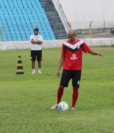 M. Costa sente desconforto e desfalca o Joinville no confronto ... - Globo.com