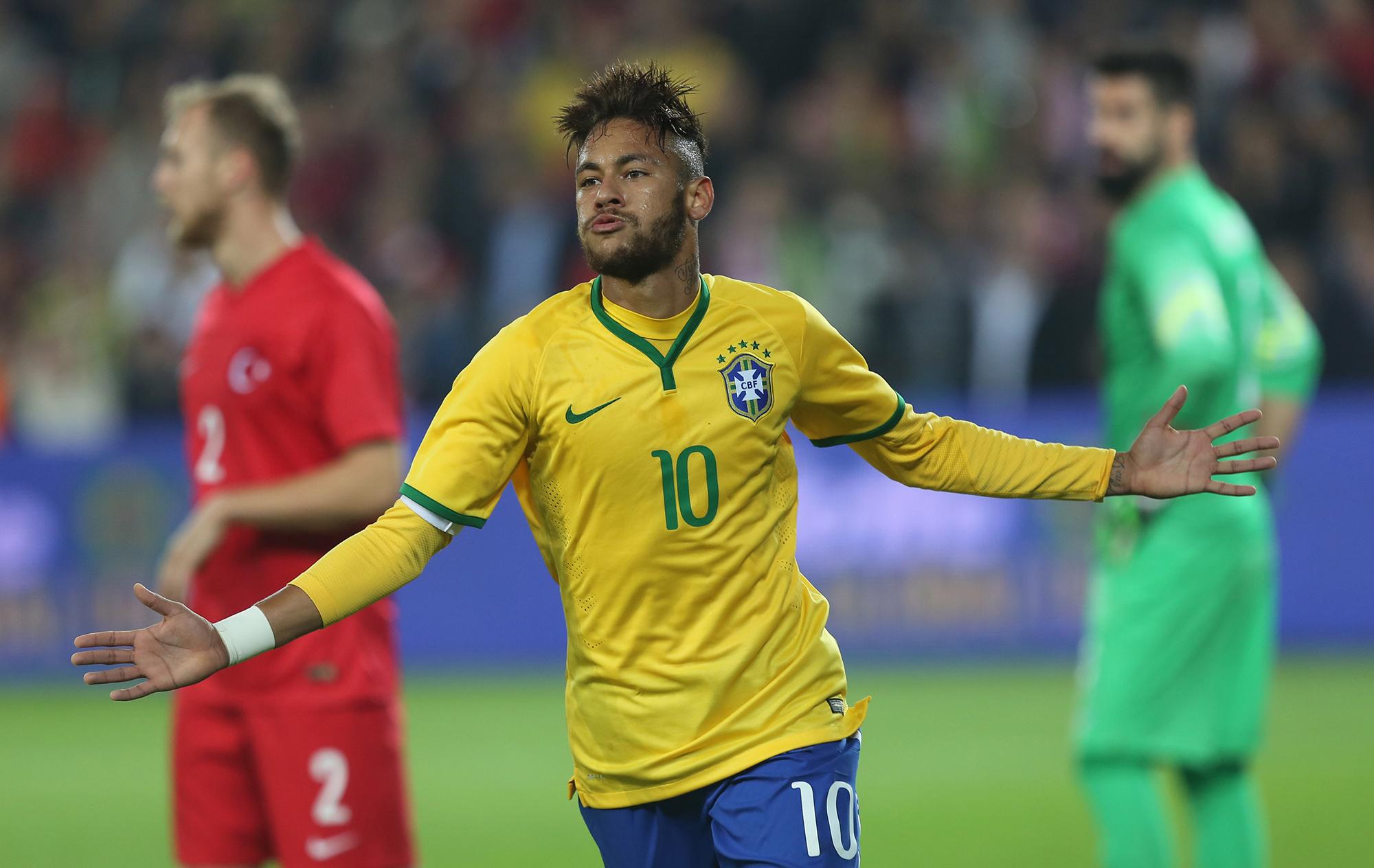 Neymar faz dois c36a28f0b71ab