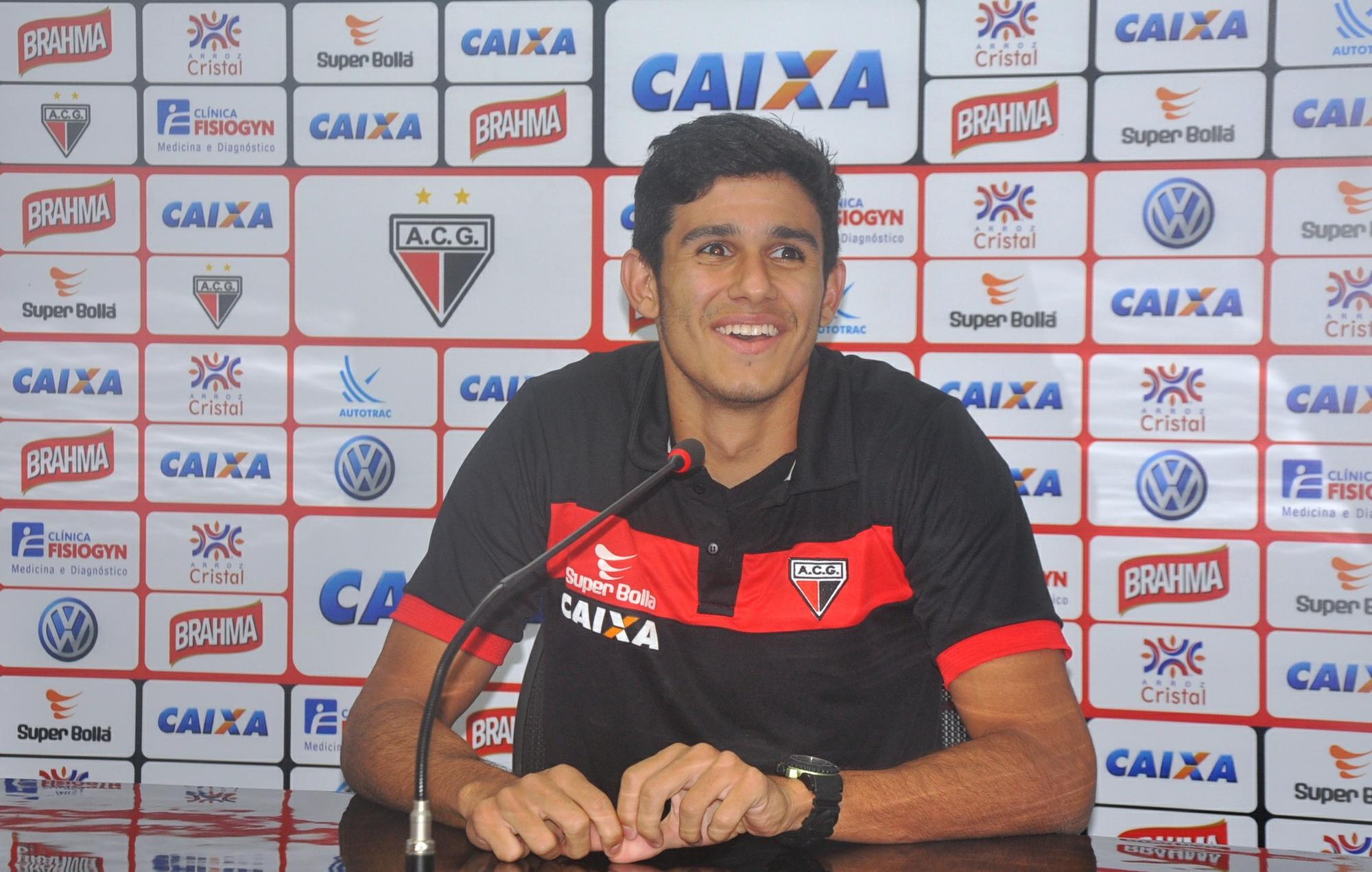 Zagueiro quer superar falta de ritmo e pouca experiência para ... - Globo.com