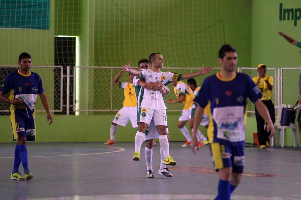 Jogadores do Tianguá comemoram título da Copa TV Verdes Mares - Globo.com