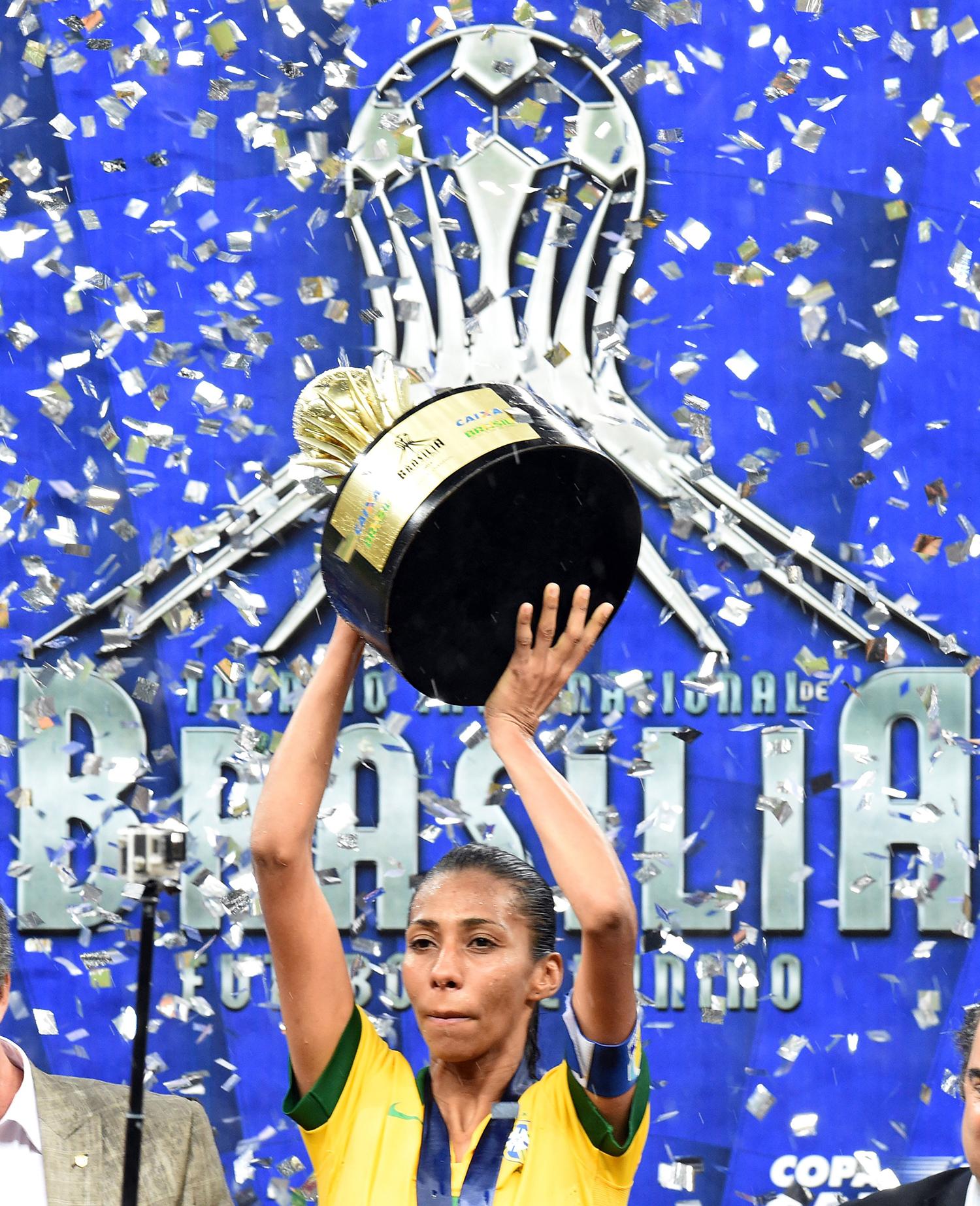 89028c08ff1a6 Seleção feminina empata com EUA e vence Torneio Internacional de Brasília