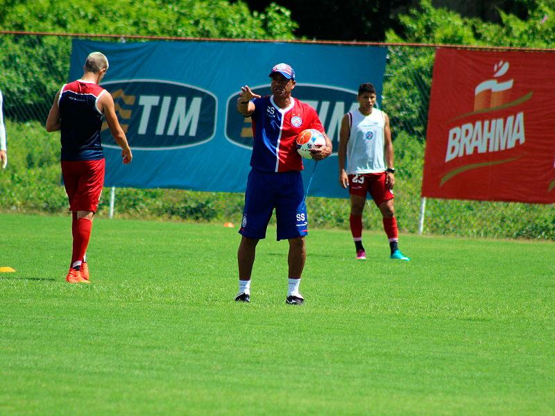 f29617d7e31f5 Titular  Sérgio Soares garante Léo Gamalho no jogo contra o Jacobina