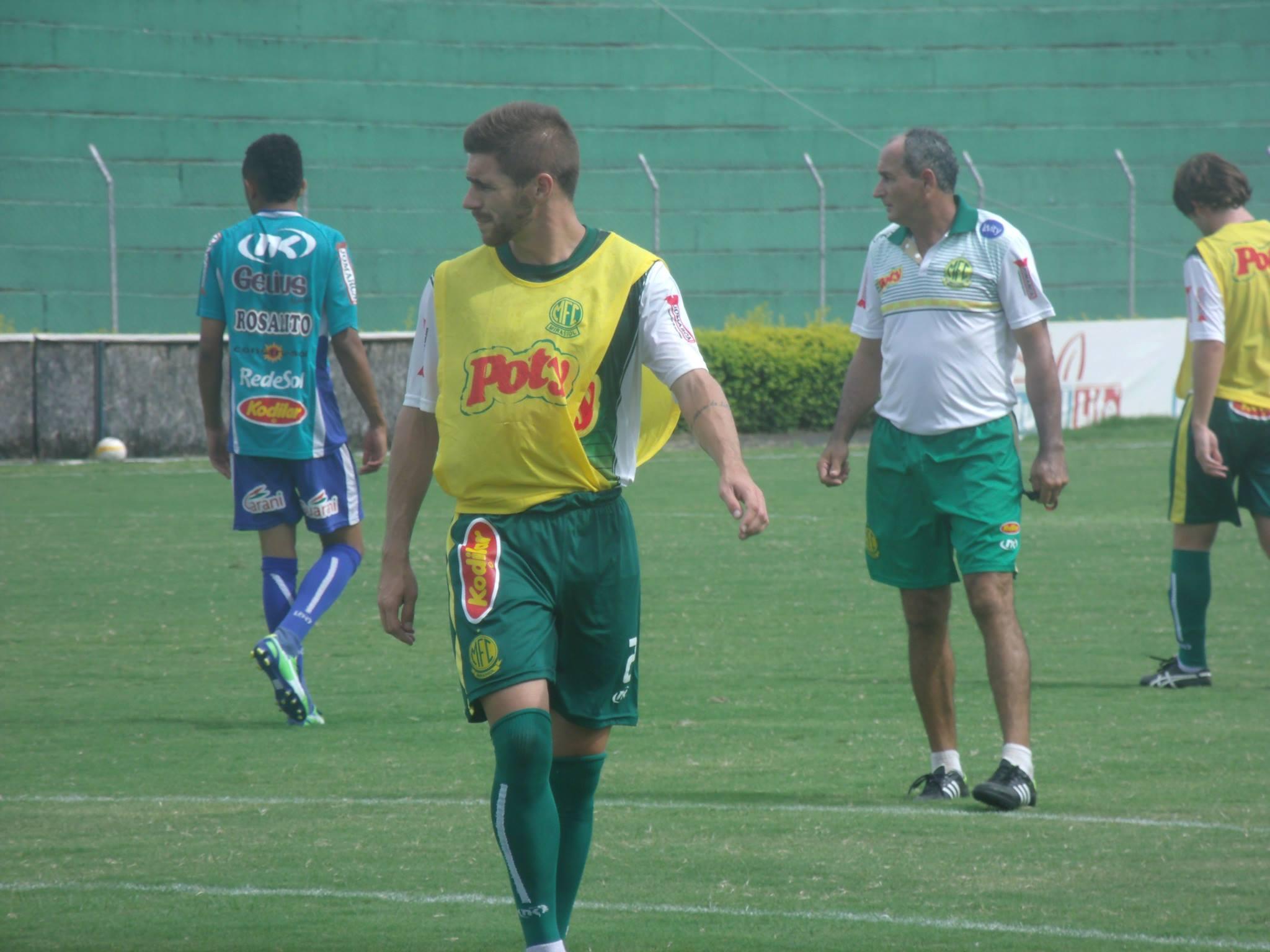 América-MG confirma a contratação do meia-atacante Diego Lorenzi - Globo.com