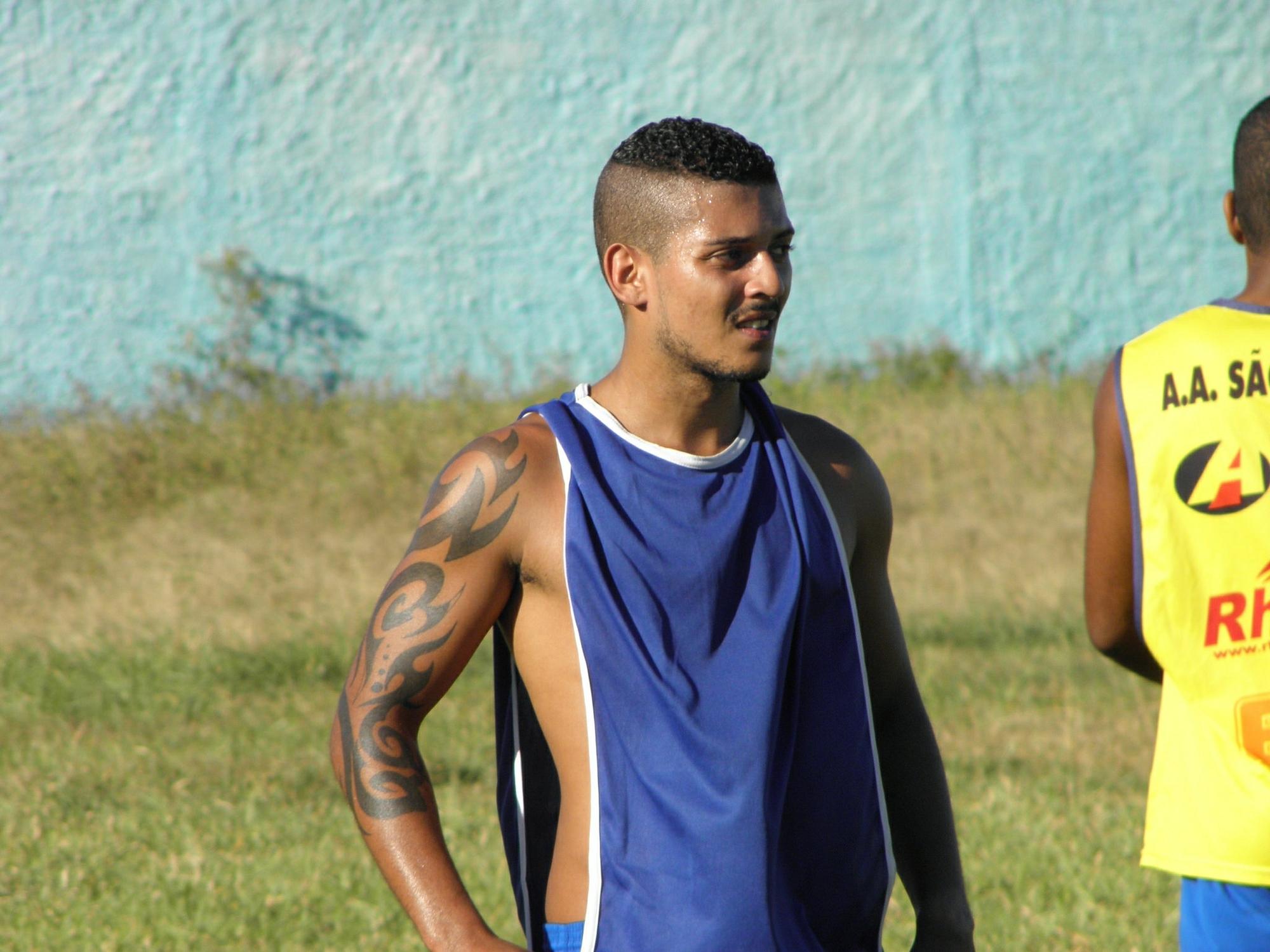 Formado na base do Santos, Anderson Planta tenta reaparecer no ... - Globo.com