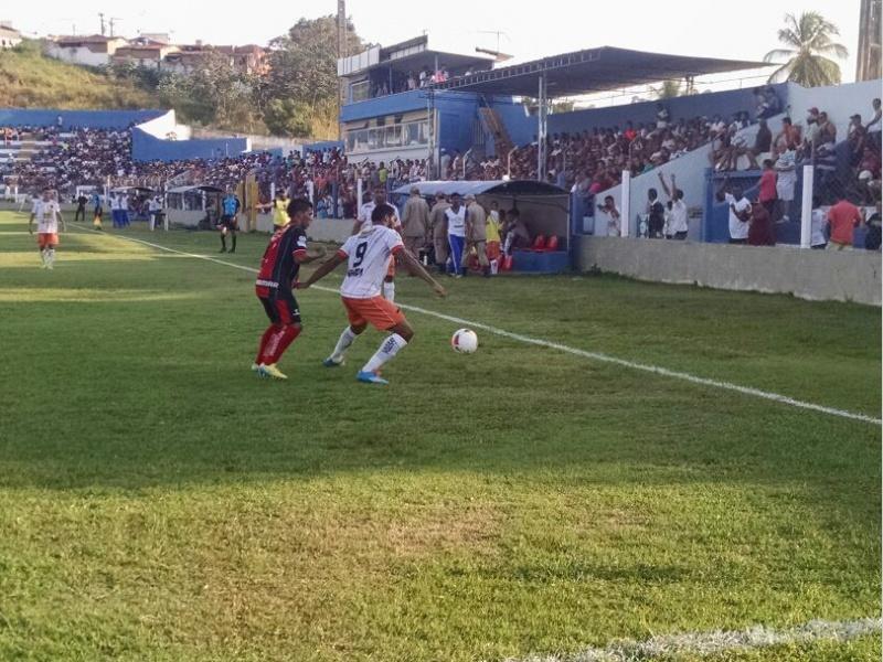 Serra Talhada goleia o Vera Cruz por 6 a 0 e toma a 2ª posição do ... - Globo.com