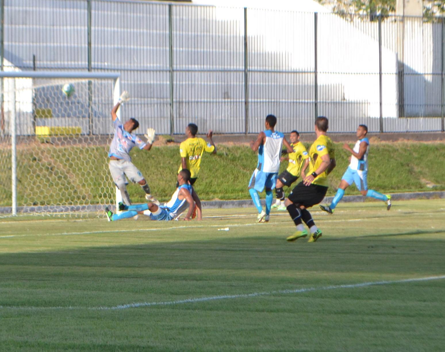 Fabinho Alves faz dois, e ABC goleia time misto do CSP em jogo ... - Globo.com