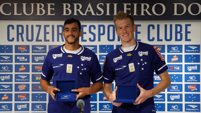 Cruzeiro apresenta Henrique e Grolli 07749c87d18b6
