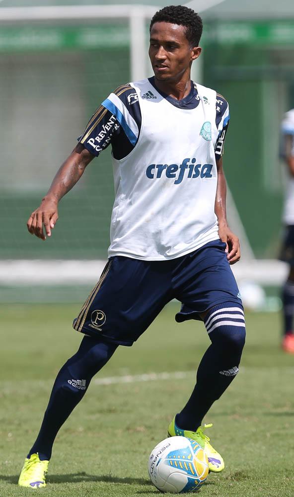 9c5445be90 Ponte anuncia contratação de Renato