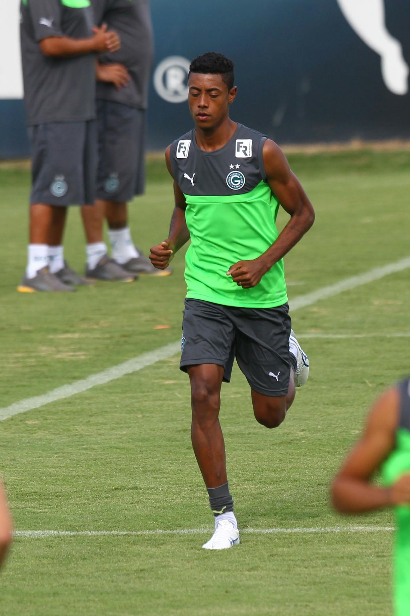 Goiás acerta venda do atacante Bruno Henrique ao Wolfsburg 54ea524c61eab