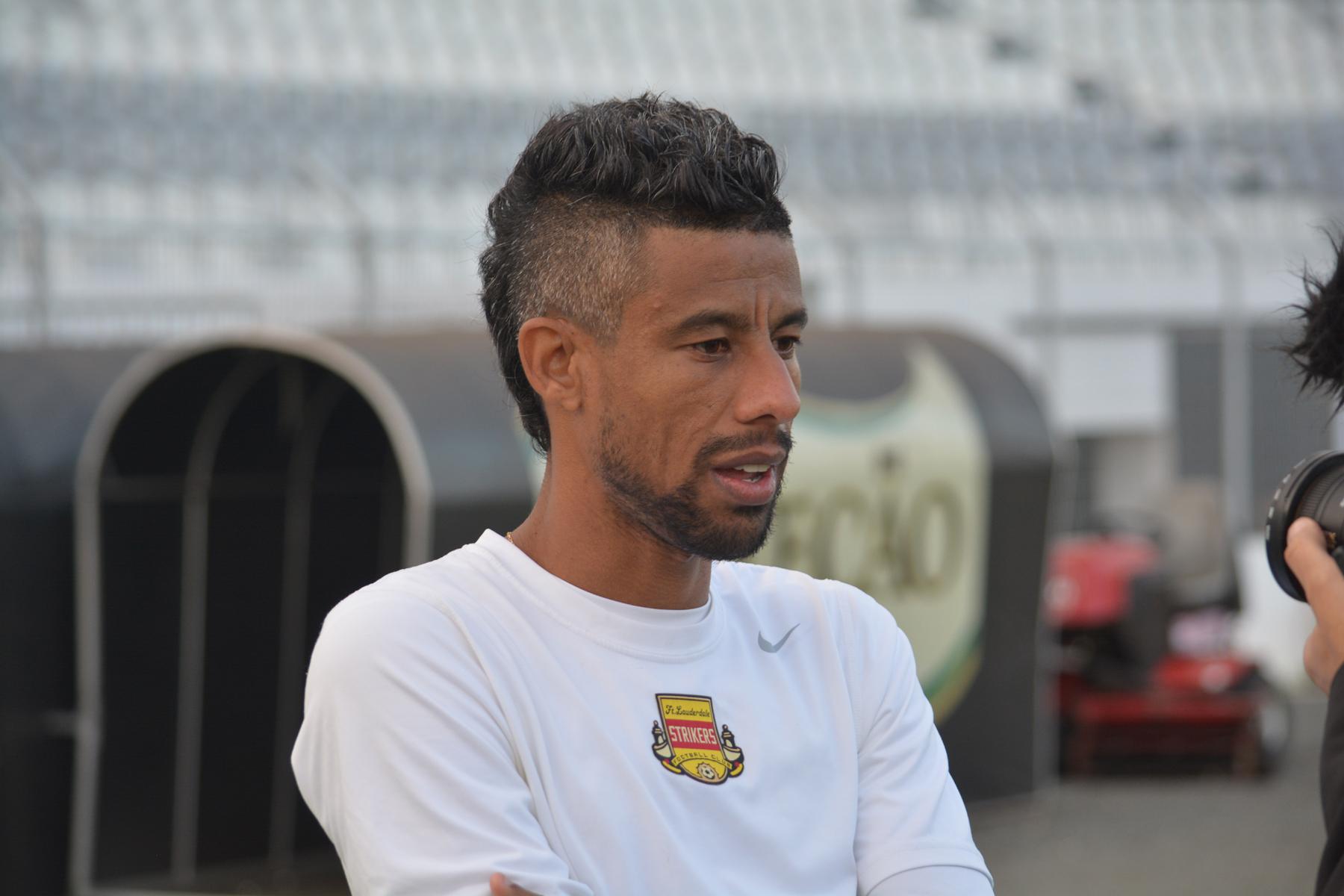 af73503720 Pacotão do Vasco  Eurico confirma contratações de Celso Roth e Herrera