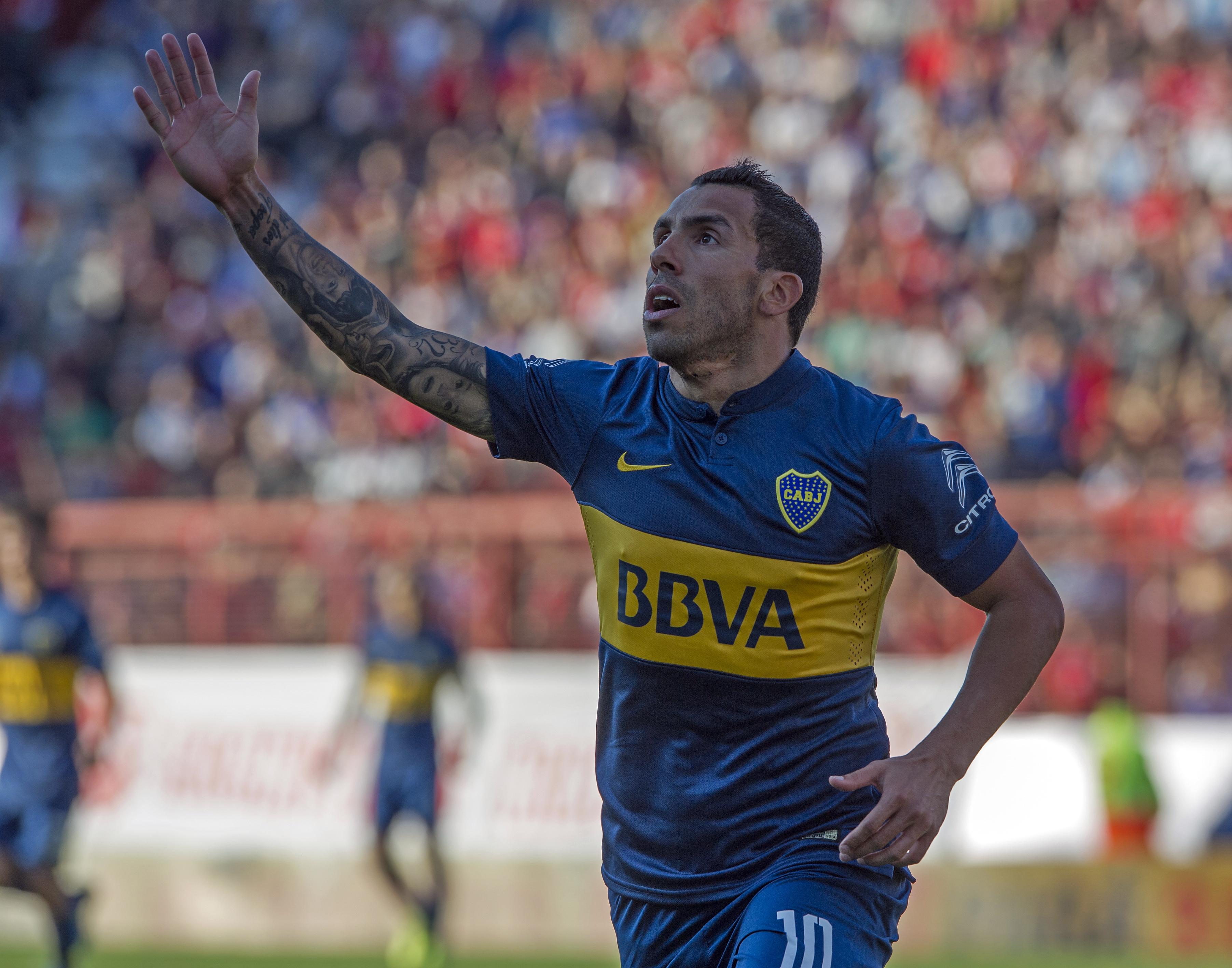 Diretor do Corinthians admite ser viável ter Tevez para a Libertadores 85013274eb8ea