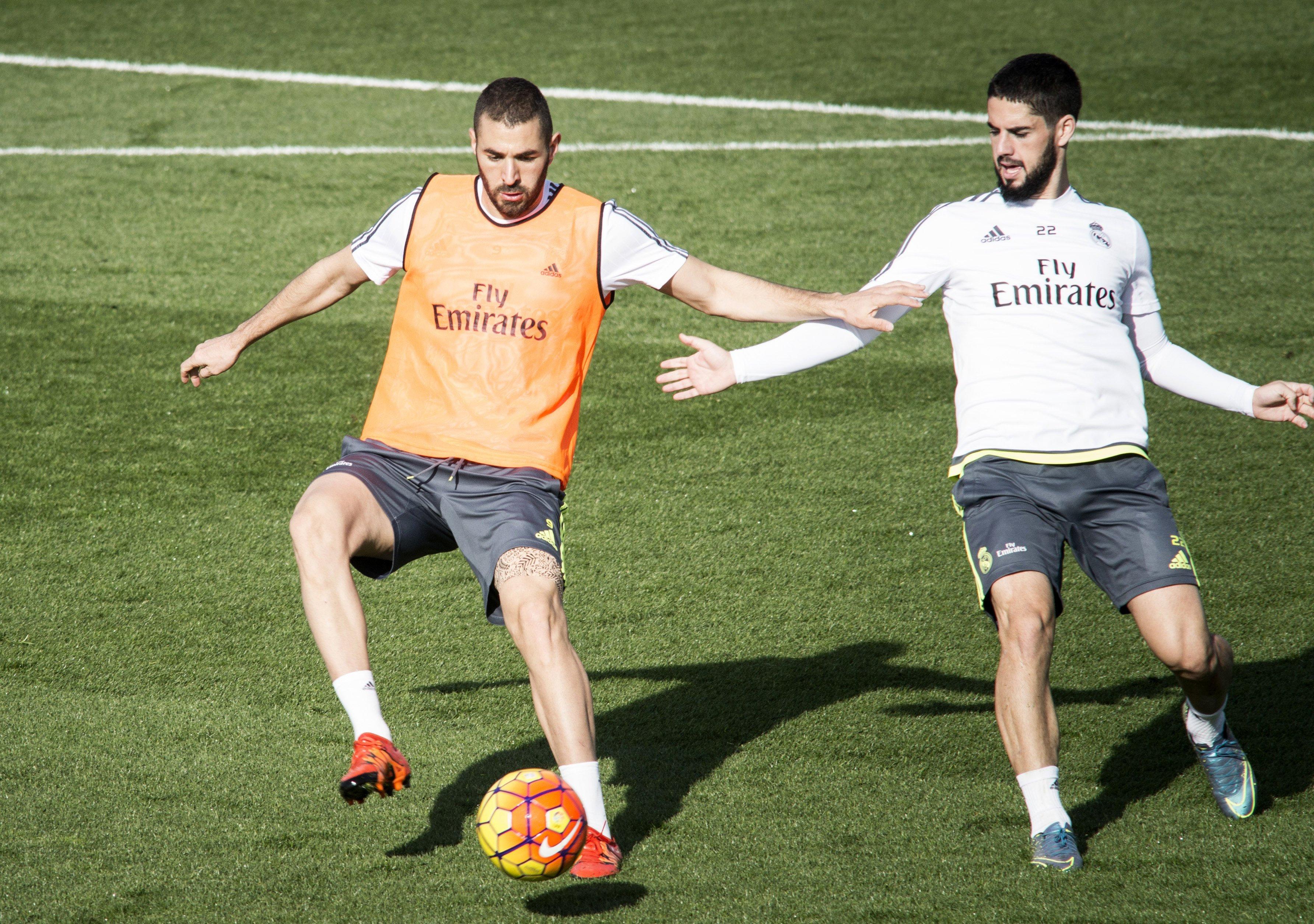 66d7c74326 Benzema treina sem problemas na véspera do clássico Real x Barcelona