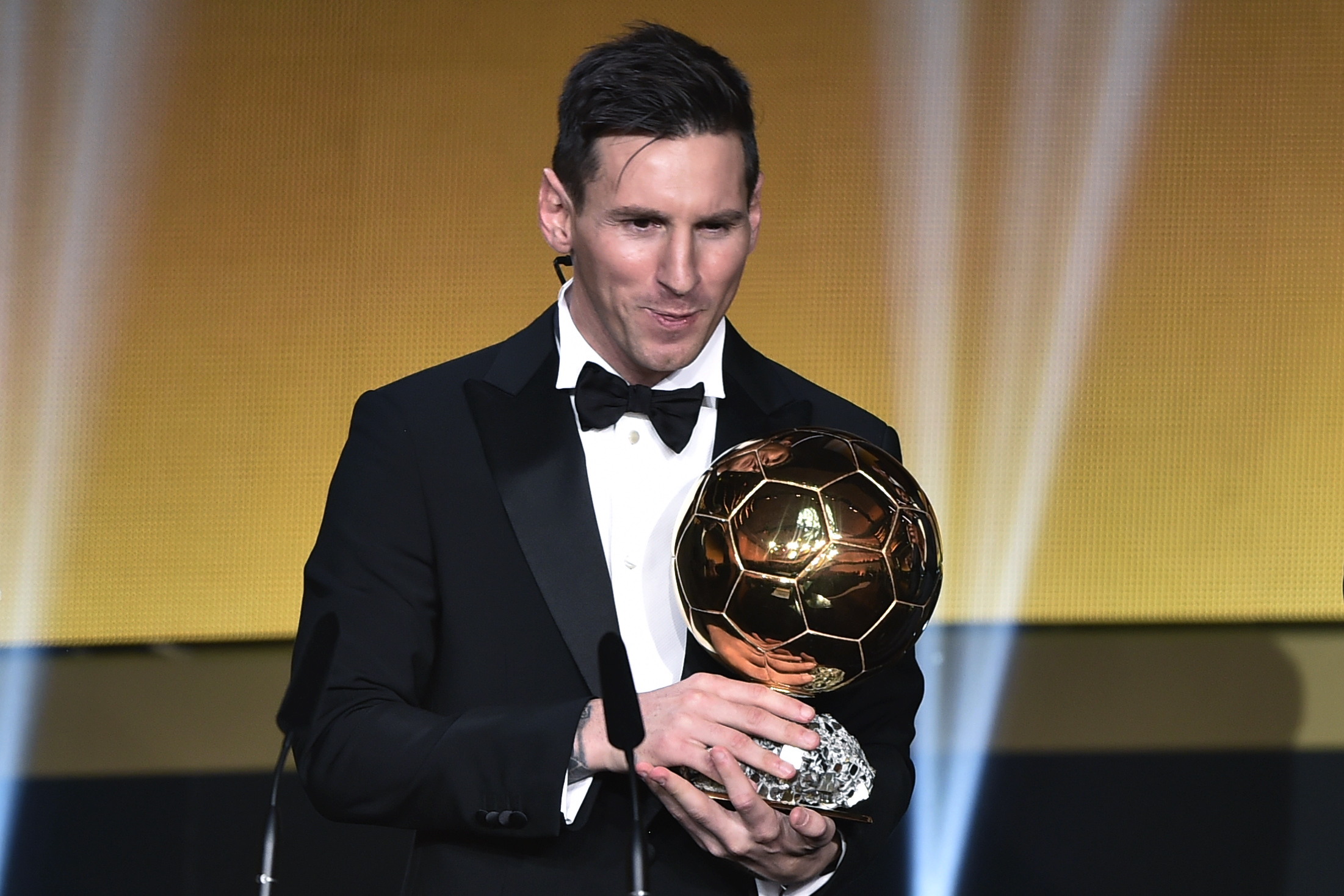 a62db2950d Cinco vezes Messi  argentino leva a Bola de Ouro