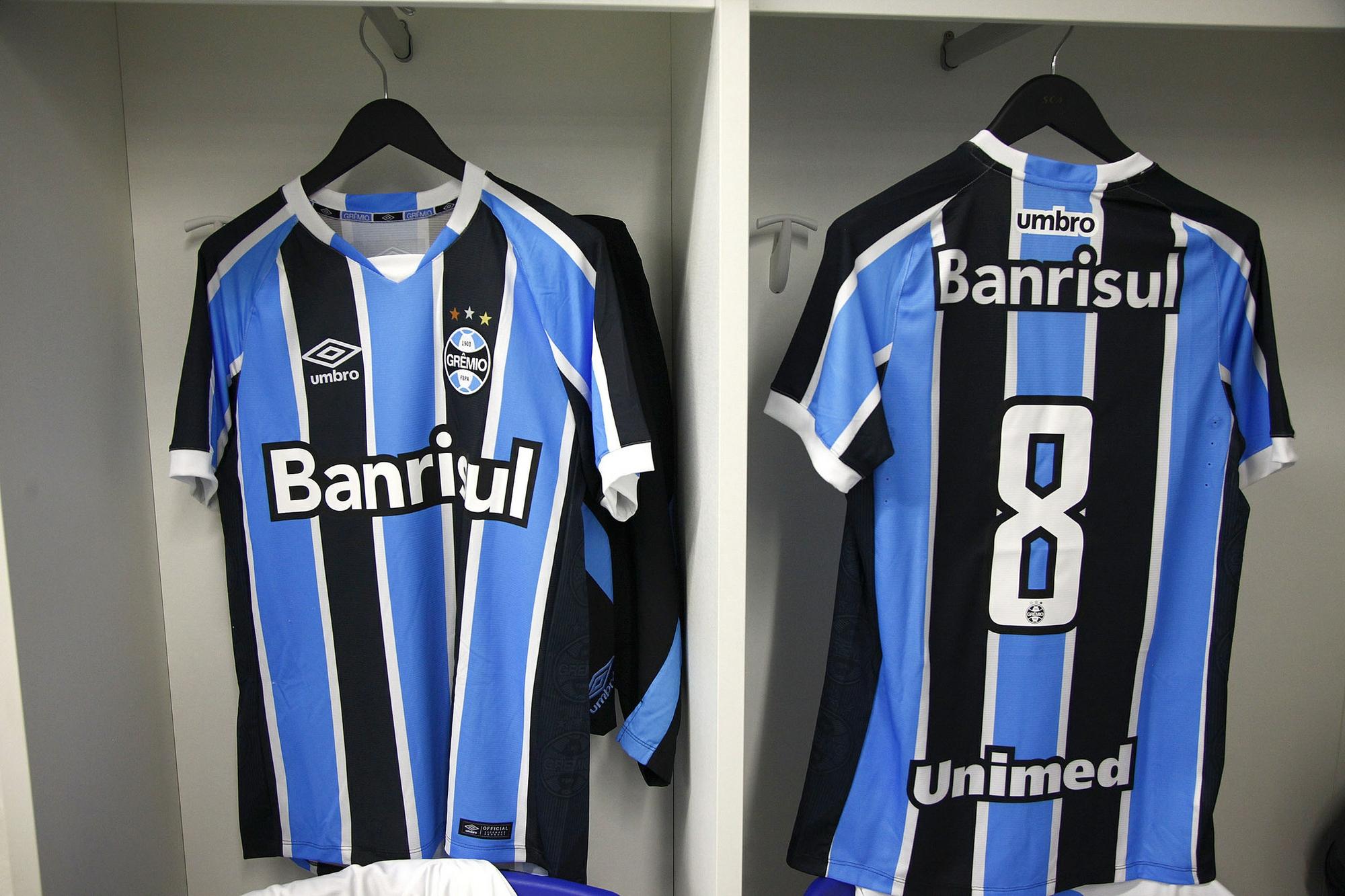 c019f2eba4 Grêmio apresenta novos uniformes em amistoso contra o Danubio-URU