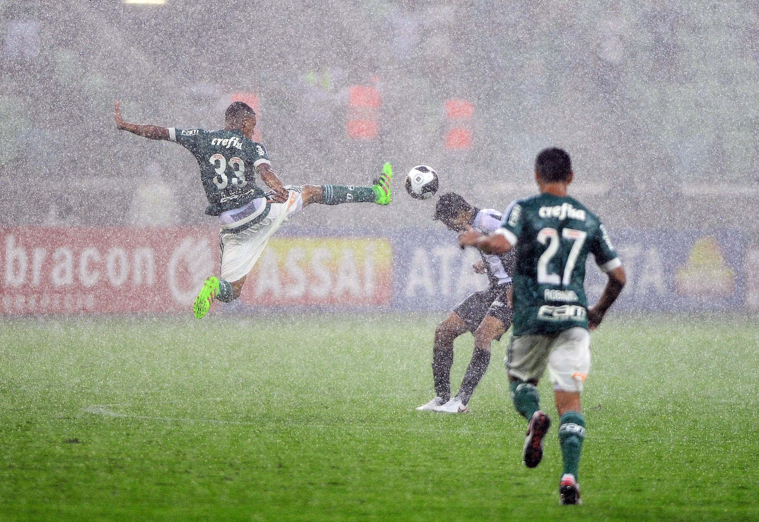 Análise  mais calma e capricho teriam garantido gols em Palmeiras x Santos c2bba539b0da6