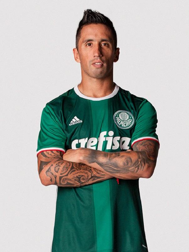 f3e24c25873af Aprovada! Nova camisa do Palmeiras é eleita a mais bonita dos ...