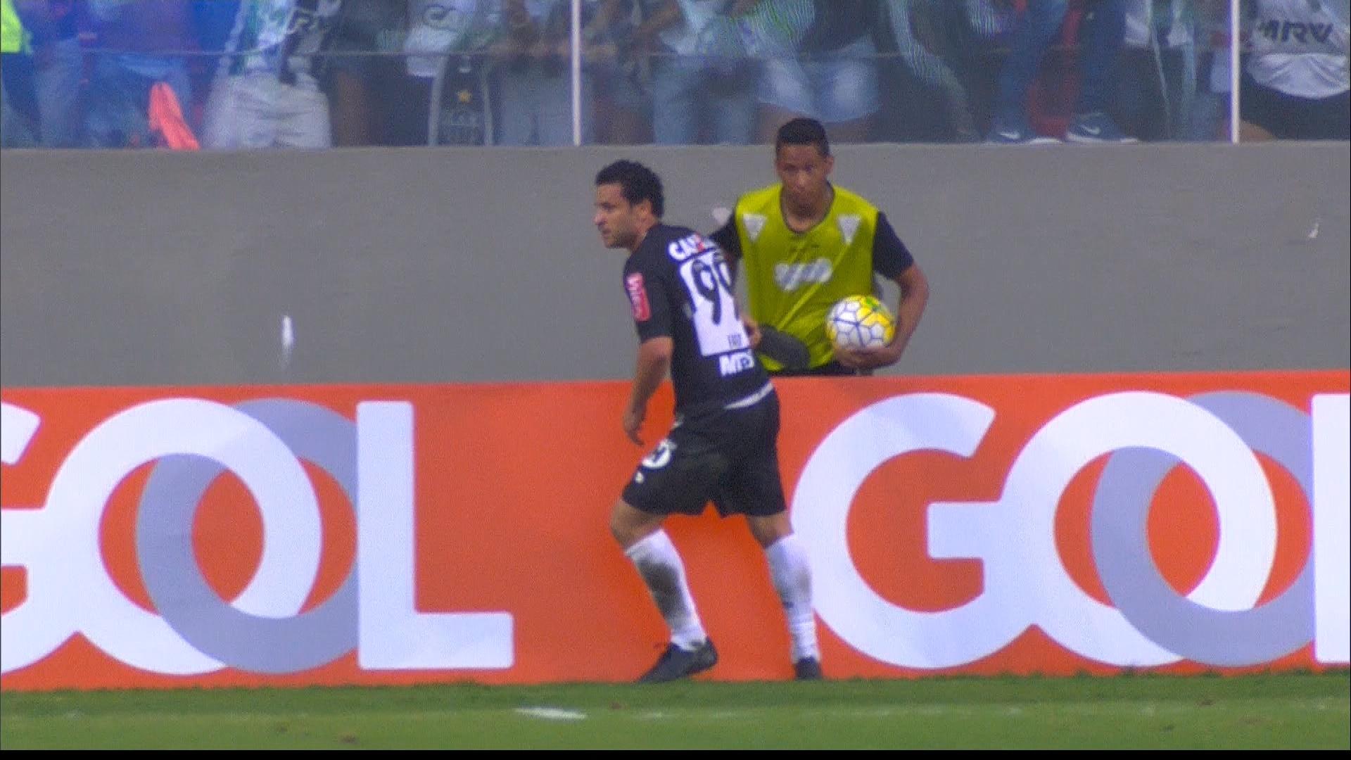 01087d5c14 Fred faz gol na estreia