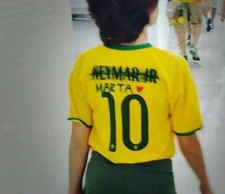 f61299adaa15d Bombou na web olímpica  rasura na camisa