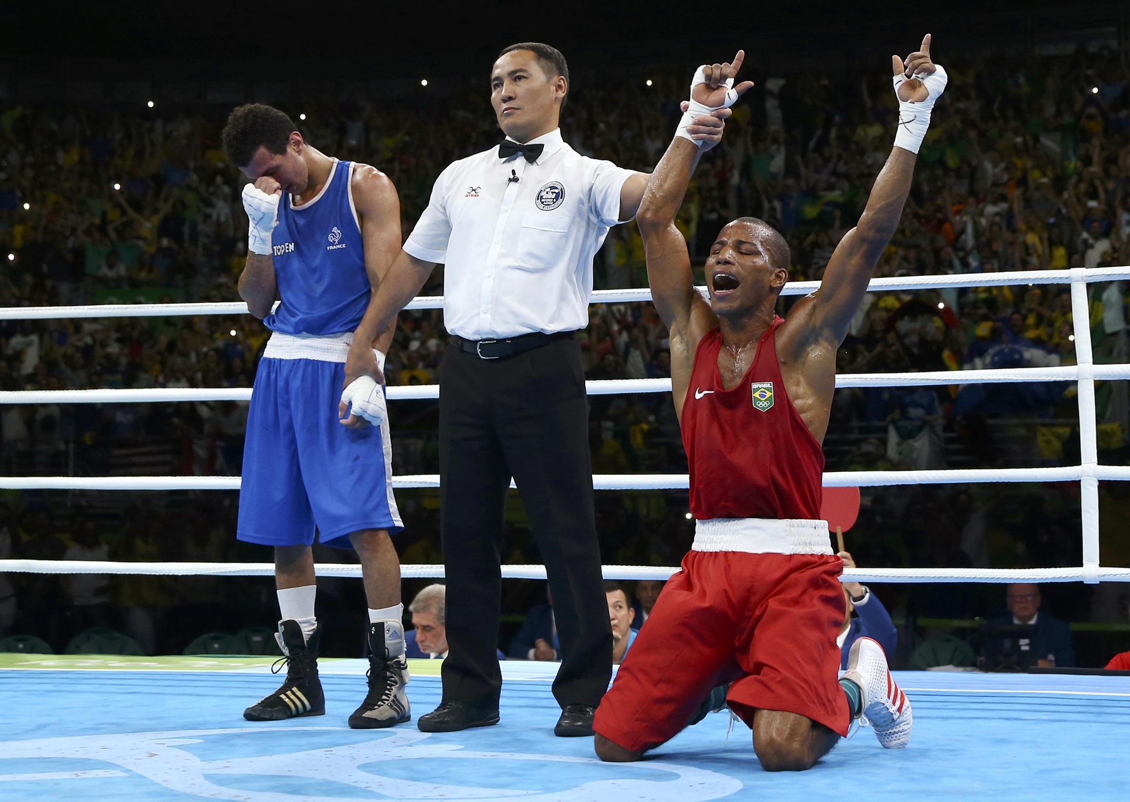 Ouro inédito! Robson Conceição bate francês e leva título histórico no boxe 375c3047a5eba