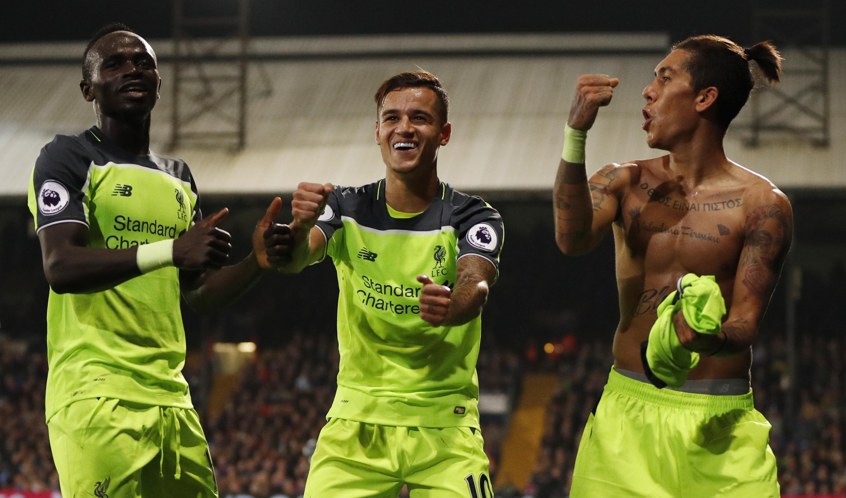 Firmino exalta parceria com Coutinho no Liverpool e elogia