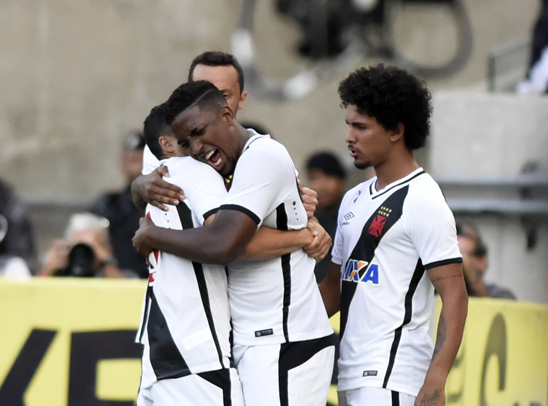 37106ea154 Vasco garante acesso à Série A com dois gols de Thalles no Maracanã