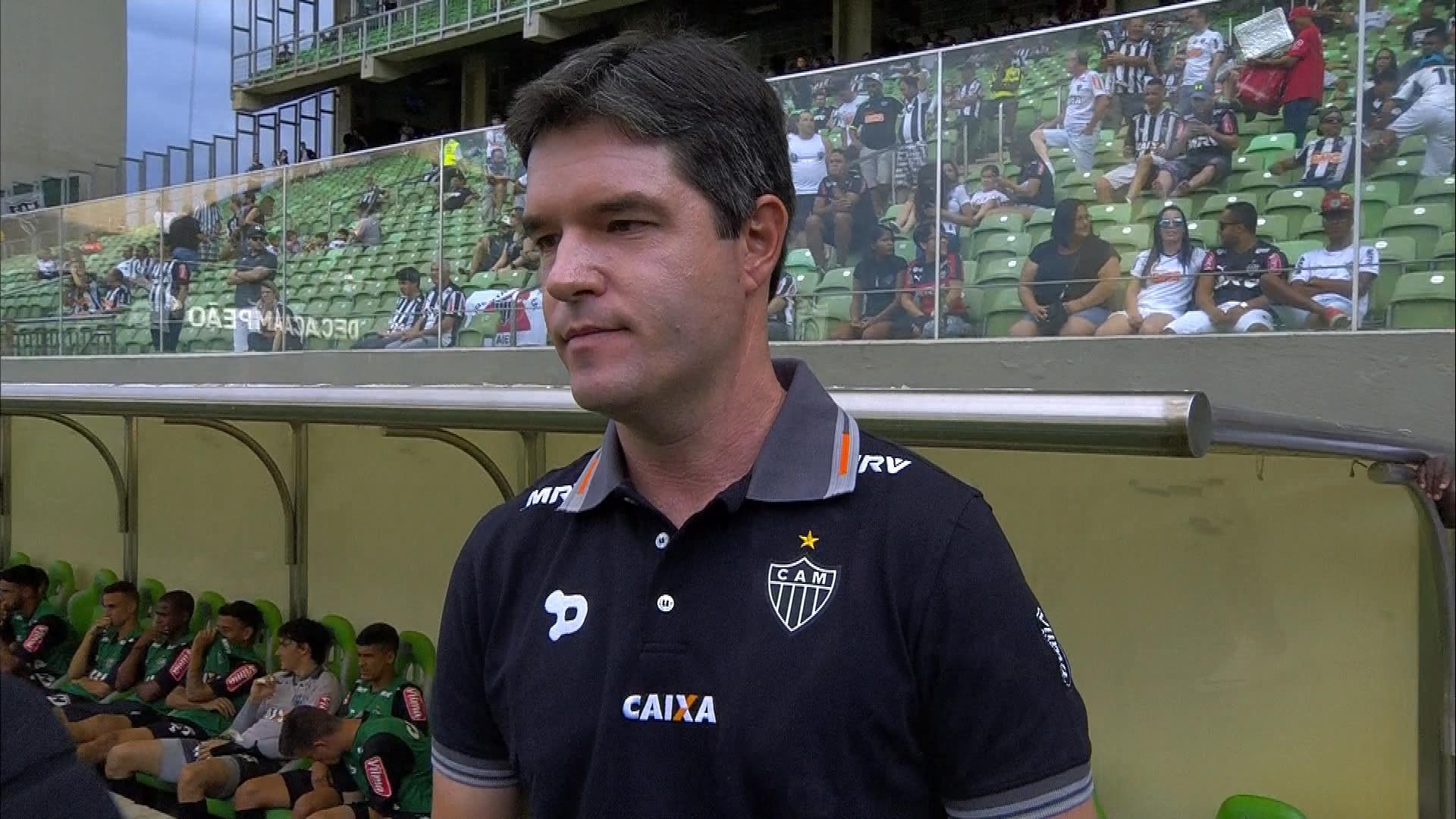 cab8ed8f3310f Giacomini vê Galo desentrosado e já tem estratégia para final contra Grêmio