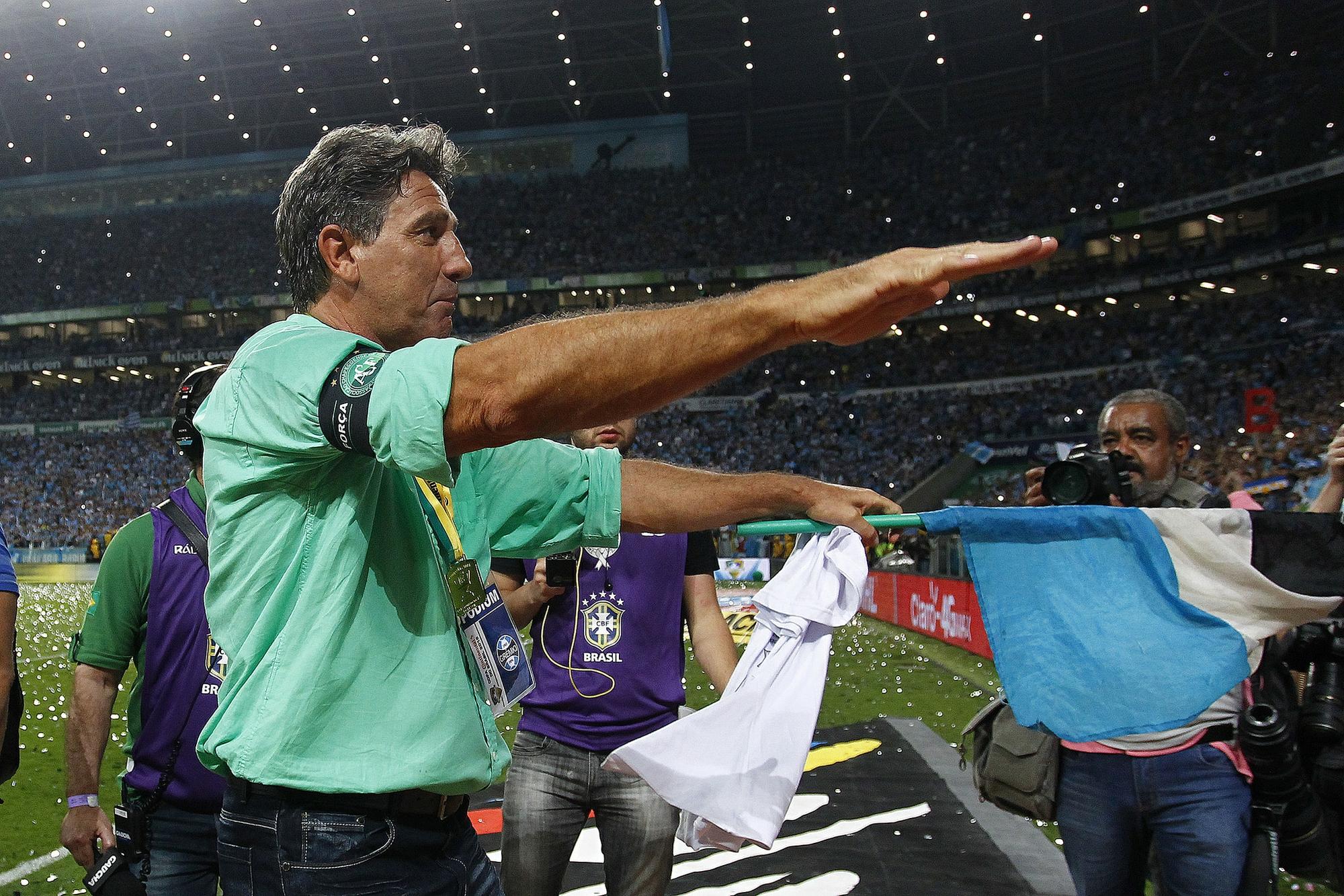 3328d92056 Grêmio avança por Renato e aguarda desfecho para abrir busca no mercado
