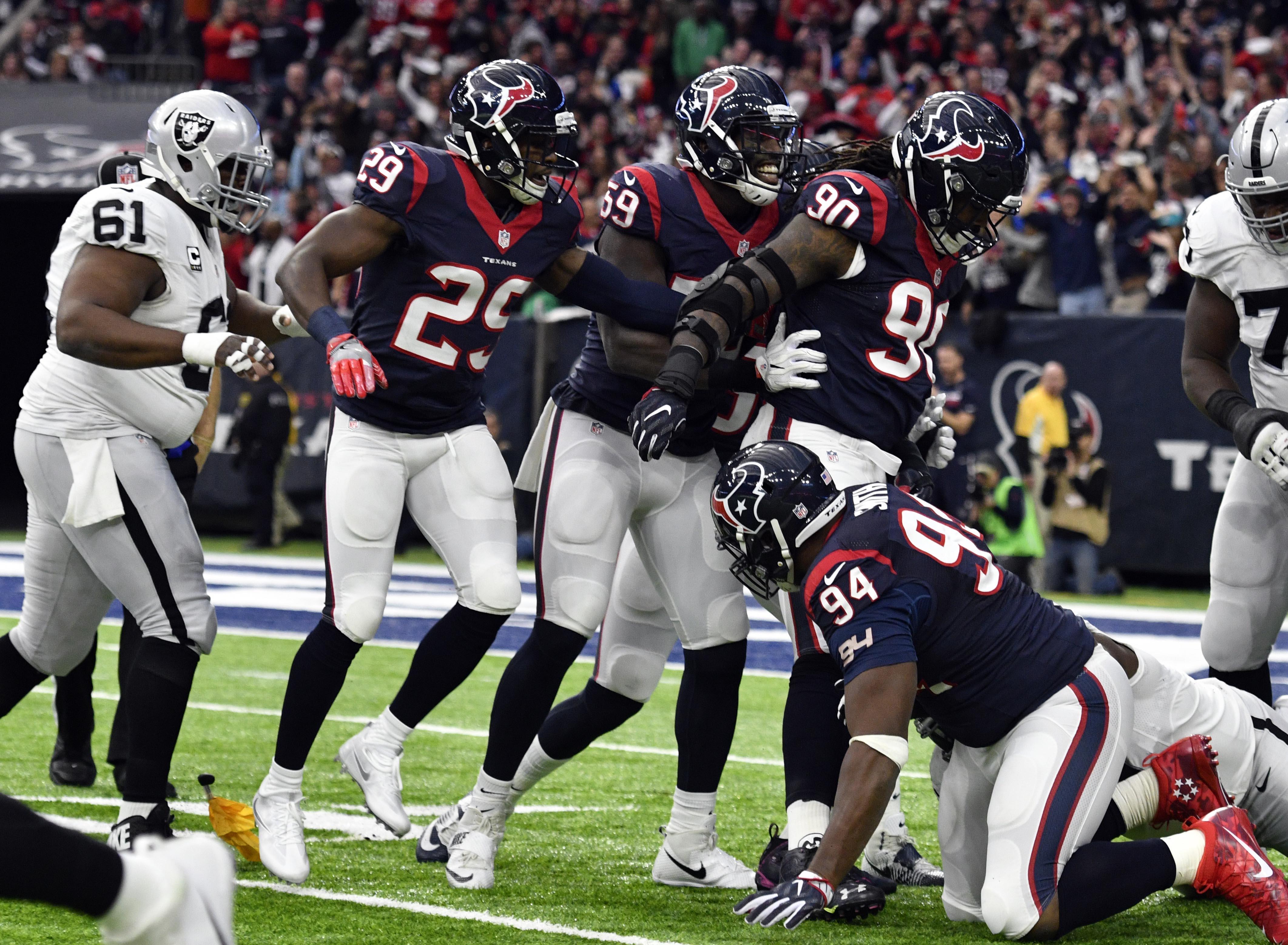 85b5713d92 Melhor defesa da NFL garante vitória e sonho do Houston de título histórico