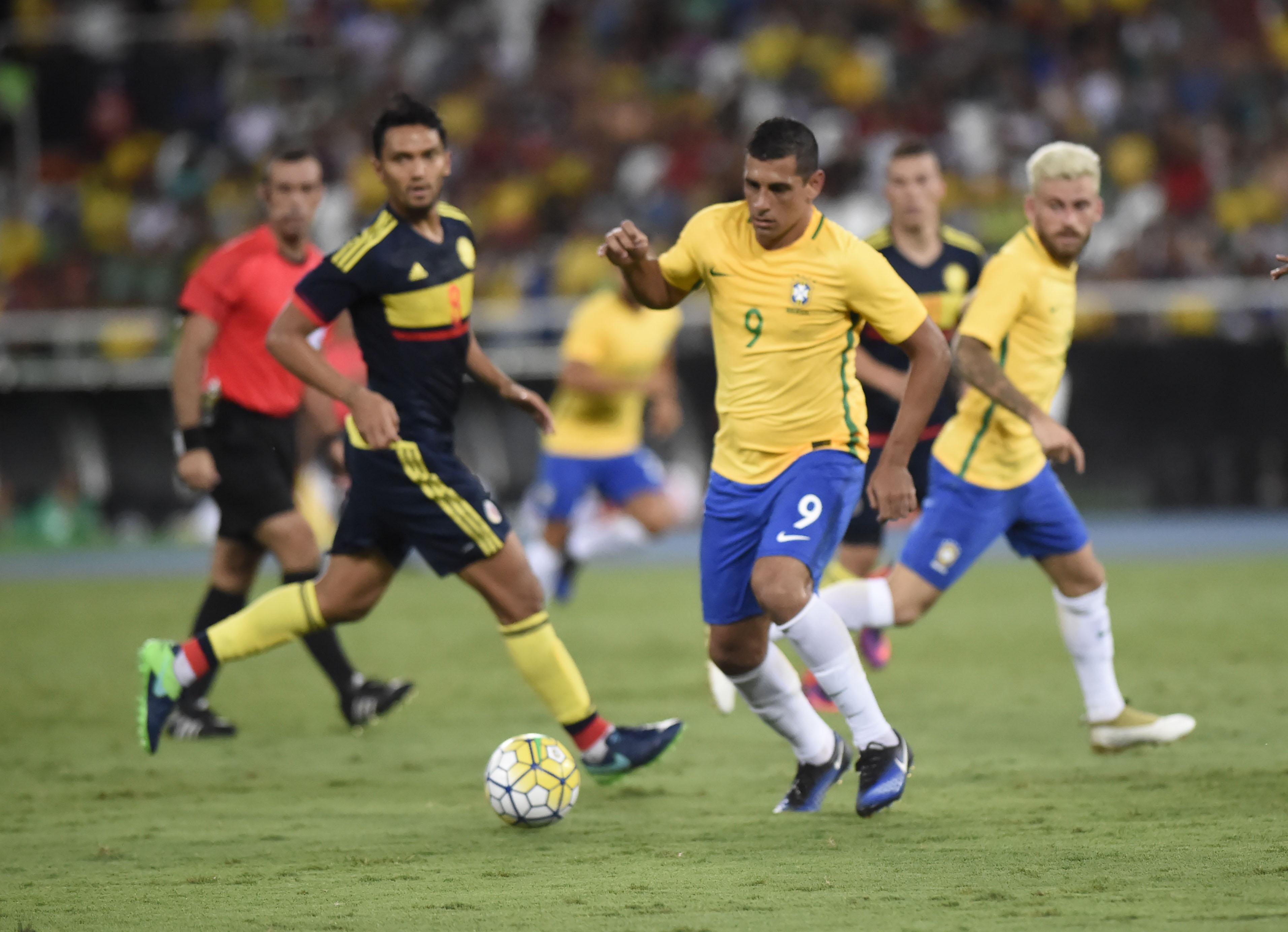 Diego Souza e Ederson estarão na lista de Tite  Mariano tem boa chance fcb1eaaaf0a5e