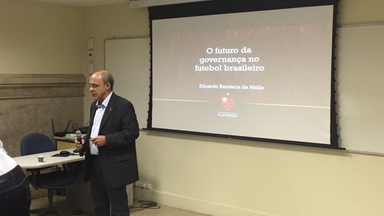 Prefeitura de Niterói e Fla se reúnem e discutem projeto de estádio na  cidade 0df6a59ffcc2f