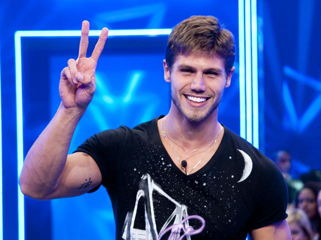 Fotos: confira a trajetória de Jonas no BBB12 - beijos, Paredões e ...