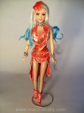 EGO - Lady Gaga ganha boneca com o polêmico vestido de carne ...