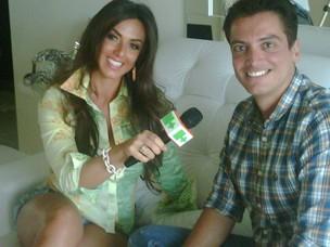 Nicole Bahls com o jornalista Leo Dias (Foto: Divulgação)