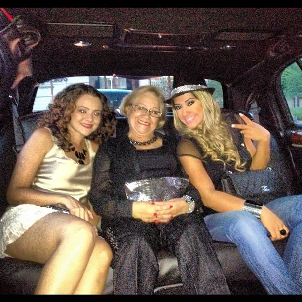 EGO - O que se faz em Vegas, fica em Vegas  Mayra Cardi recebe ... 6d1ae8c241