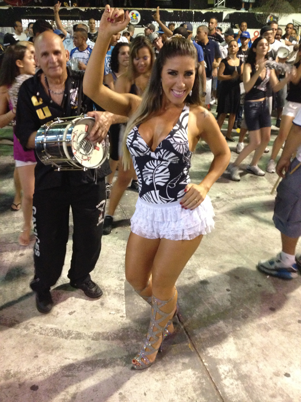 Tatiane Minerato heating up for the Sao Paulo Carnival