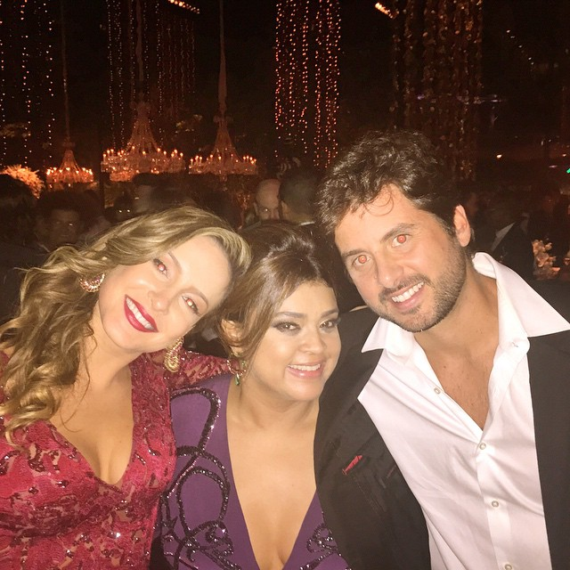 6b58b9524 Claudia Leitte, Preta Gil e Márcio Pedreira na festa de casamento de  Fernanda Souza e ...