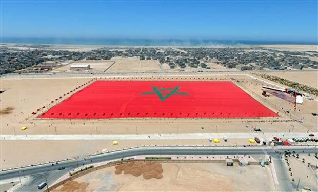 Bandeira foi construída no último sábado na cidade de Dakhla.