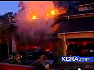 Casa pegou fogo assim que dono abandonou imóvel