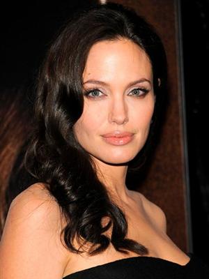 0af2e4500fd5f G1 - Angelina Jolie defende o estilo masculino da filha - notícias ...