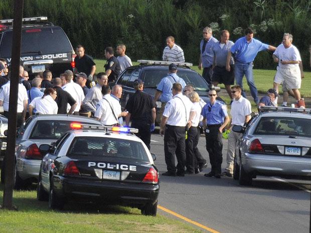 Polícia controla local em que atirador deixou três mortos nos Estados Unidos