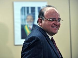 Deputado Cândido Vaccarezza (PT-SP), líder do governo na Câmara dos Deputados, em entrevista coletiva, nesta segunda-feira (01).
