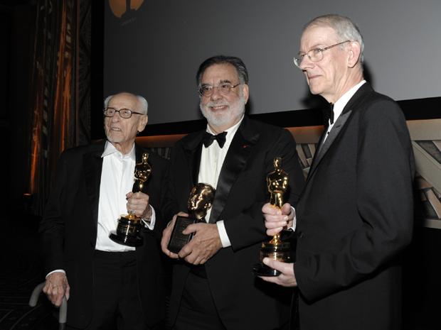O ator Eli Wallach, o diretor Francis Ford Coppola e o historiador de cinema Kevin Brownlow