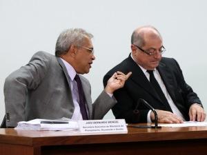 Secretário executivo do Ministério do Planejamento, João Bernardo Bríngel, e o ministro do Planejamento, Paulo Bernardo, durante audiência na comissão de Orçamento.