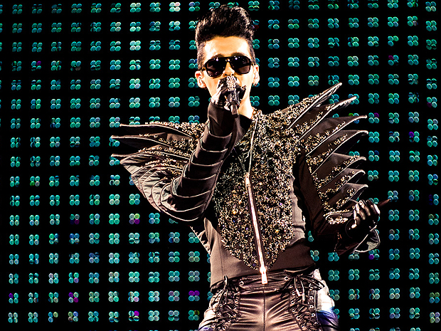 O vocalista Bill provocou histeria entre as fãs da banda alemã