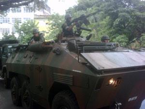 Exército chega ao Alemão