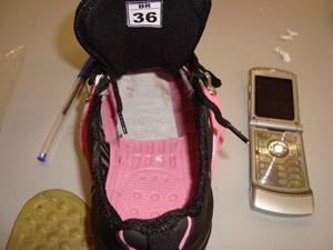 Sapato estava adaptado para a fraude.