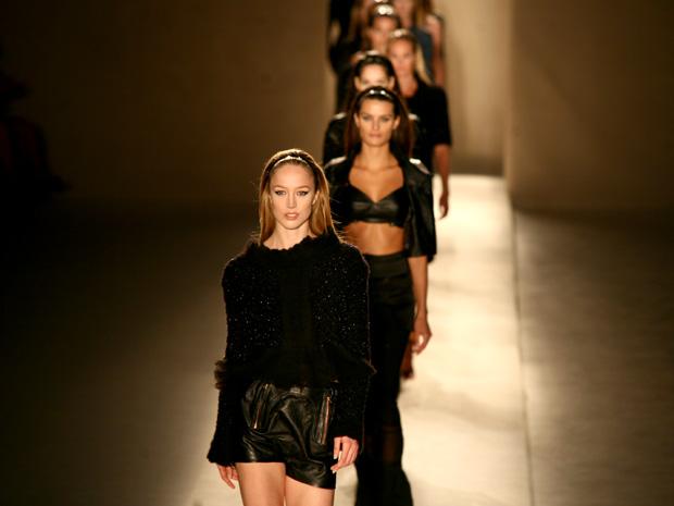 dcca4cdbc G1 - Veja fotos do primeiro dia de desfiles da São Paulo Fashion ...