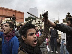 Manifestantes exigem a renúncia do presidente Hosni Mubarak