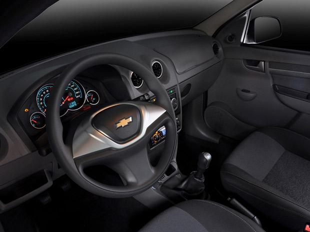 Auto Esporte - Chevrolet apresenta linha 2012 do Celta e ...