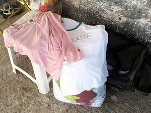 357d19da9a Roupas são alugadas na porta de presídio em Cuiabá (Foto: Kelly Martins/G1